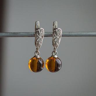 Серебряные серьги с коньячным янтарем