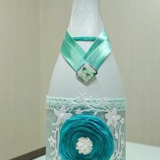 Свадебная бутылка шампанского