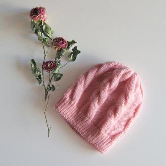 Нежная розовая шапка из теплого мохера