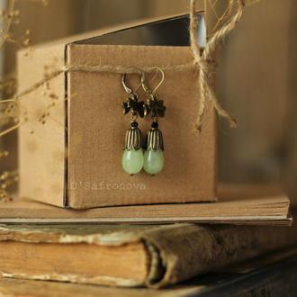 Серьги с зеленым ониксом. Серьги подвески с камнями, серьги под винтаж