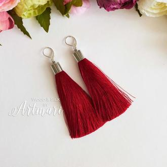 Шелковые серьги-кисти с колпачком Красные