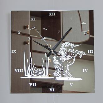 """Зеркальные настеннные часы """"Единорог"""""""