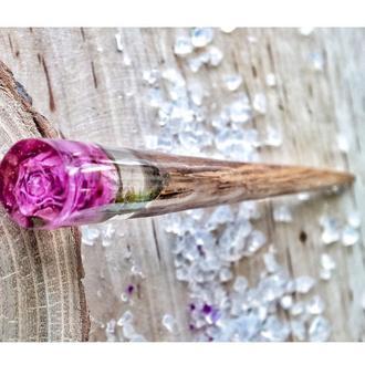 Нежная роза, заколка из ювелирной смолы и древесины дуба, Подарок для девушки