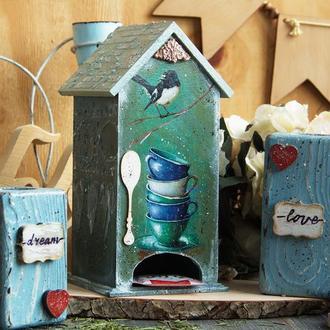 чайный домик и подсвечники