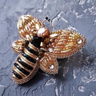 Брошка розшита кристалами Swarovski і стразами бджілка брошь пчелка брошка пчела подарок 8 марта