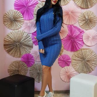 Вязаное платье-туника с красивым узором
