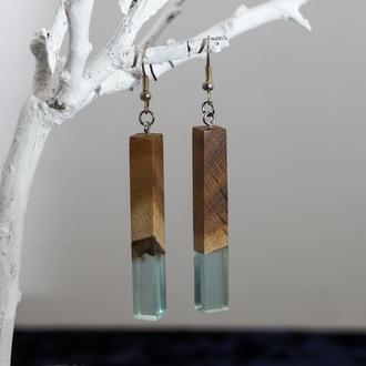 Модные серьги геометрической формы из древесины дуба и ювелирной смолы - оригинальный подарок