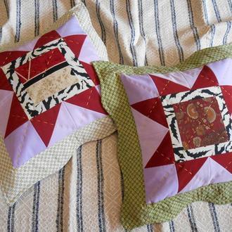 Декоративные  диванные  подушки с оборкой