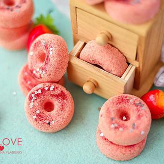 Бомбочка/ гейзер для ванной Пончик Клубничка