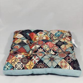Подушка на стул. Квадратная подушка. Мягкое сиденье. Розноцветная подушка. Чехол на стул.