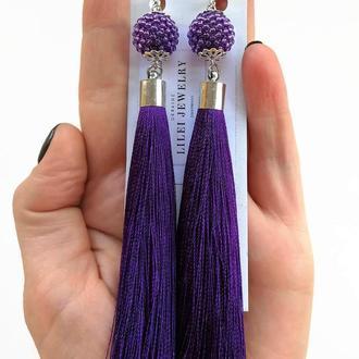 Длинные фиолетовые серьги кисти