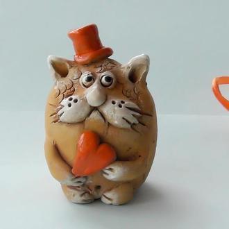 Кот с сердечком Фигурка Кота
