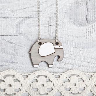 Кулон слон, Серый деревянный кулон слоник, Подарок на День святого Валентина