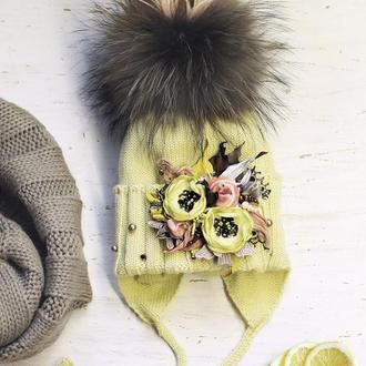 Шапка из мериносовой шерсти лимонного цвета