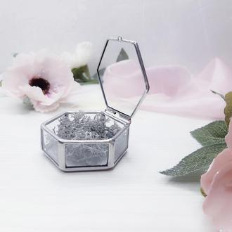 Маленькая шкатулка для обручальных колец. Подушка для колец. Шкатулка для свадебной церемонии