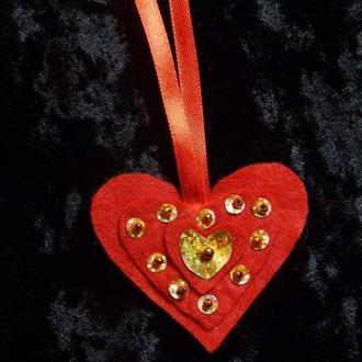 Валентинка - сердечко из фетра (подвеска)
