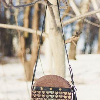 Круглая женская сумка из войлока и кожи. Сумка таблетка. Кожаная сумочка. Tablet