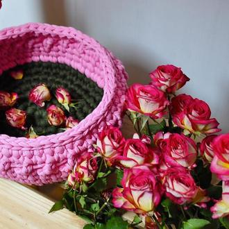 Ажурная розовая корзинка из трикотажной пряжи / Ажурний рожевий кошик з трикотажної пряжі