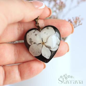 Підвіска серце з гортензією ~ кулон сердце с гортензией • черное сердце • черно - белая подвеска