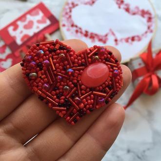 Брошка у формі серця «Подаруй любов»