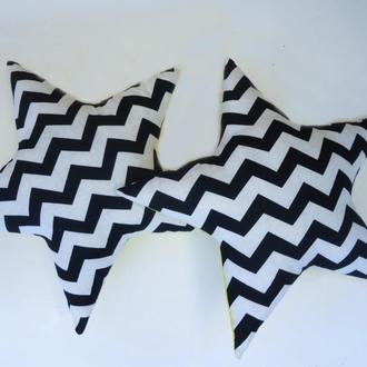 Декоративная двухсторонняя подушка звезда из хлопка и плюша - черно-белый зигзаг, подушка геометрия