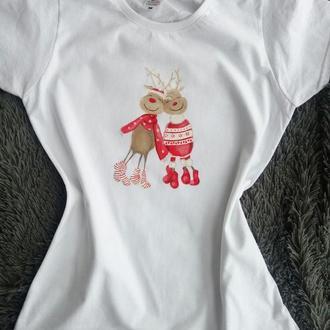 Женская футболка с оленями