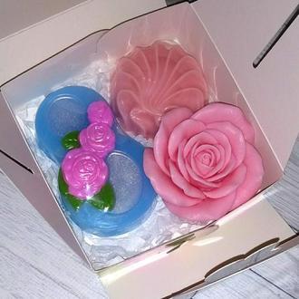 Сувенирное мыло: набор: 8 с розами, роза, зефир