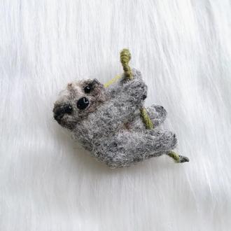 Брошь войлочная Ленивец брошка валяние украшение подарок