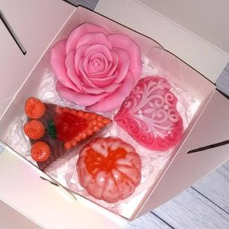Сувенирное мыло: набор: роза, сердечко, пирожное, мандарин