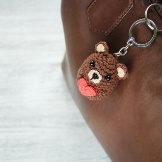 Подарок любимому человеку брелок ручной работы вязаный мишка с сердцем