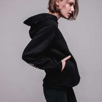 Черный худи на флисе от бренда Don na Telo без надписей и принтов размер L