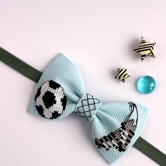 """Галстук-бабочка с вышивкой """"Футбол"""""""