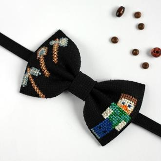 "Галстук-бабочка с вышивкой ""Minecraft"""