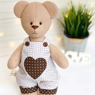 Флісовий ведмедик з великим серцем