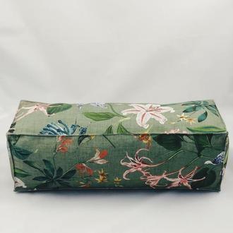 Подушка диванная гипоаллергенная. Подушка-валик. Прямоугольная зеленая подушка. Птицы колибри.