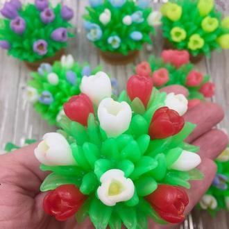 Корзина с цветами!  Тюльпаны,  подснежники,  крокусы
