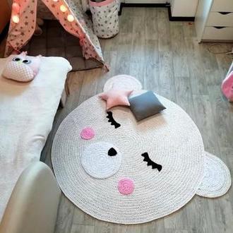 Вязаный ковер мишка
