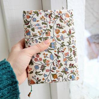 Блокнот с белыми нелинованными листами в текстильной мягкой обложке, формат А6