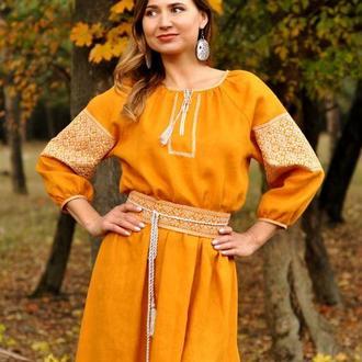 Плаття з вишивкою гірчичного кольору з натурального льону