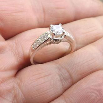 Кольцо с камнем, подарок девушке, любимой.