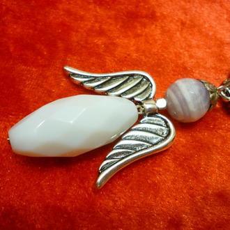 """Кулон-оберег из граненного белого агата """" Агатовый Снежный Ангел"""", 6,5 см."""