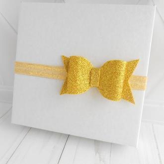 Золотой бантик на повязке малышке Украшение для волос девочке на фотосессию Подарок на годик