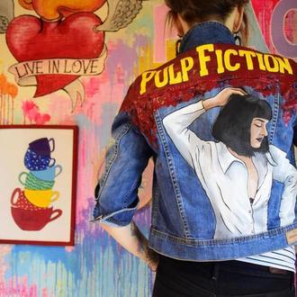 """Джинсовая куртка с рисунком. """"Криминальное чтиво"""" , Миа Уоллес."""