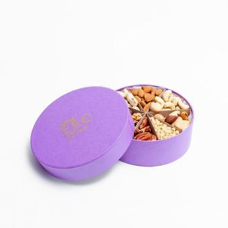 Маленькая подарочная коробочка на 8 орехов