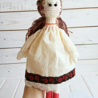 Кукла-украинка в национальном костюме