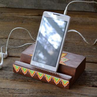 Деревянная подставка для смартфона и планшета DP018