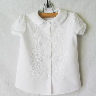 Блузка нарядная с вышивкой для девочки