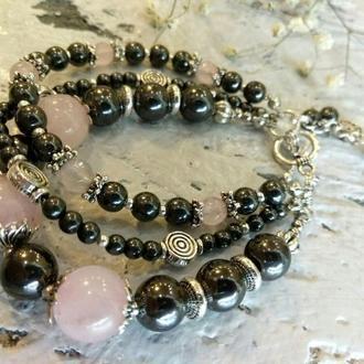 Трехрядный браслет из натуральных камней. Подарок к 8 марта.