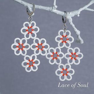 Кружевные белые серьги цветочки