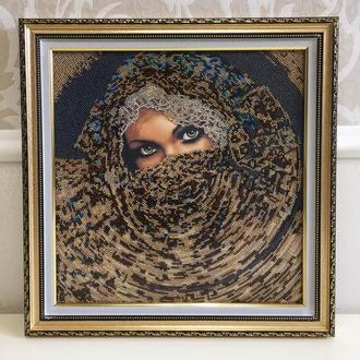 """Картина из бисера - """"Шахерезада"""" в золотой рамке из натурального дерева"""